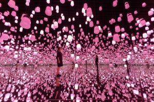 チームラボボーダレスで女性専用ヨガ体験&桜色コーデお花見会開催へ