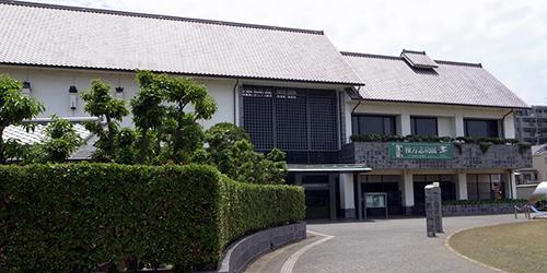東大阪市民美術センター
