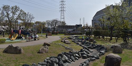 流れの広場