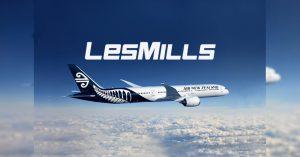 レズミルズが航空会社と協力機内エクササイズ発表